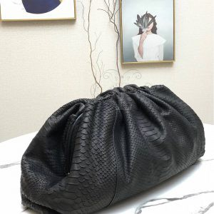 Replica Bottega Veneta The Pouch Black Snake Clutch