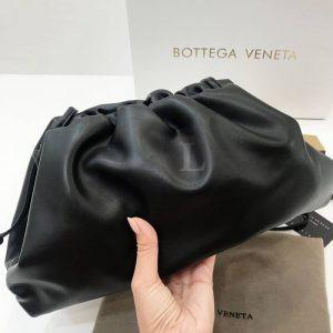 Replica Bottega Veneta The Pouch Black